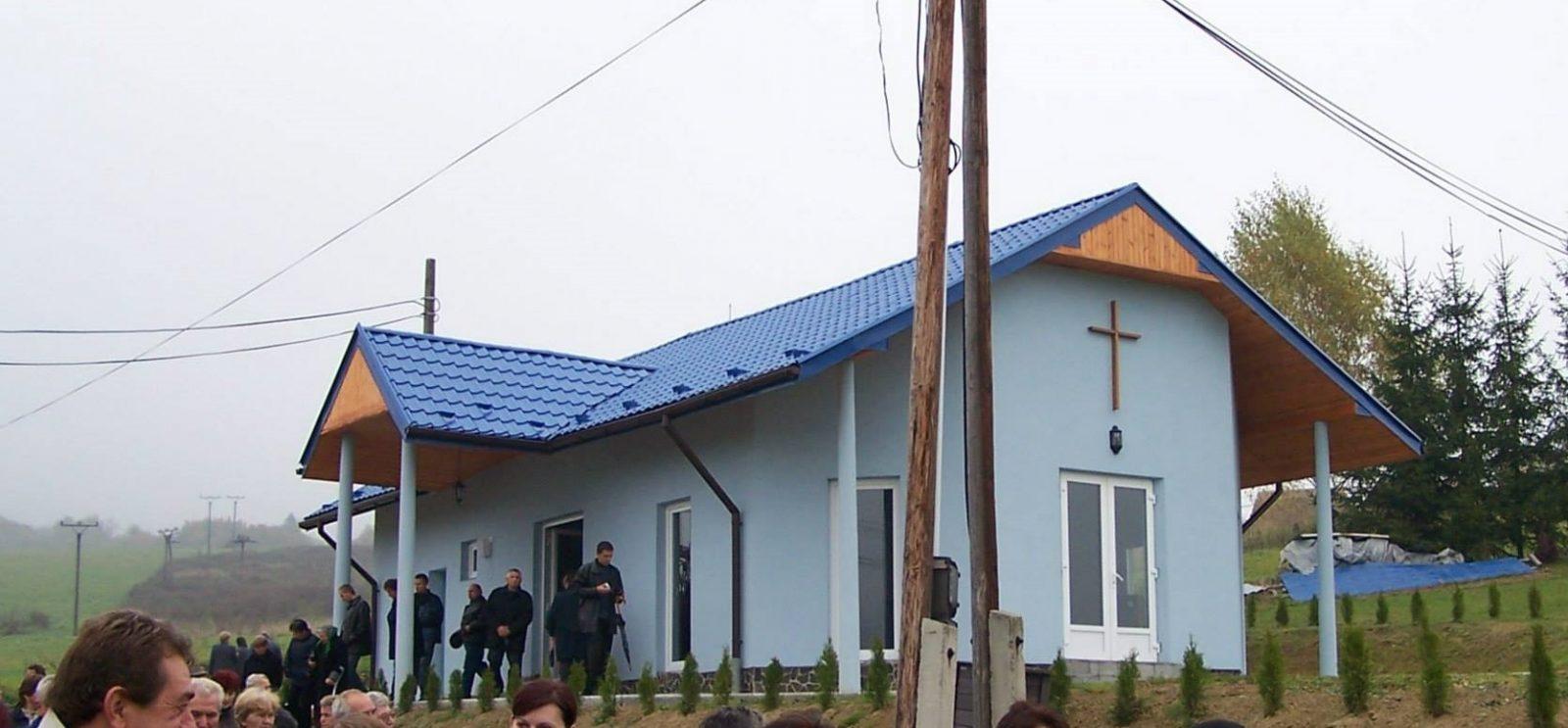 Dom smútku a Cintorín Šandal